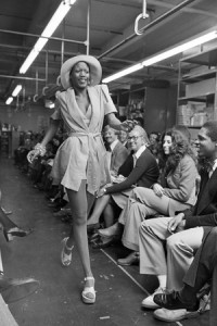 bethann-hardison-modeling-for-the-designer-willi-smith-in-1973